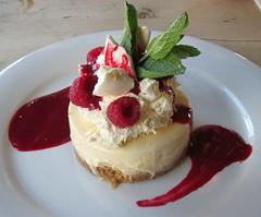 Eaton mess cheesecake (Bristol Viewfinder) Tags: portishead somerset eatonmesscheesecake emperolounge loungeeggs