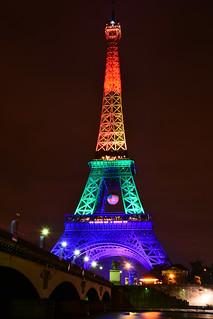 Paris, Tour Eiffel, mise en lumière commémorative