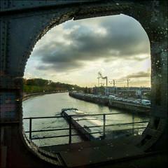 127/365 (chando*) Tags: bridge brussels square canal belgique bruxelles railway pont pniche barge carr laeken chemindefer