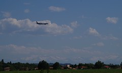 AirExpo- Muret (31) (FGuillou) Tags: montagne plane pentax aircraft bleu ciel airbus toulouse nuage 31 avion champ pyrénées muret msn2 airexpo a350