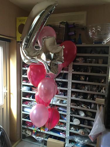 Gronddecoratie Folieballon Cijfer 4