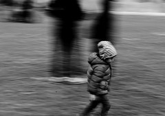 Run... (matteo.narcisi) Tags: city bw italy black out square outdoors eos italia shadows run peoples modena citt canonphotos blackandwhitephotos blancetnoire eos100d canonofficial