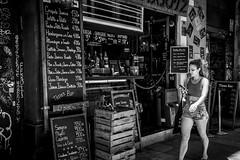 Taller de Tapas (Nicols Rosell) Tags: barcelona street city urban espaa blancoynegro person calle spain nikon europa europe ciudad catalonia personas tapas bodega urbana catalunya d7100 blackwhrite nikond7100
