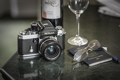 Classic F2A 28mm F2.8 (ruimc77) Tags: travel viaje classic glass lens nikon wine bokeh head 28mm prism viagem f2 nikkor passport finder vinho f28 copa f25 copo vino ais taa 105mm f2a passaporte photomic d810 dp11
