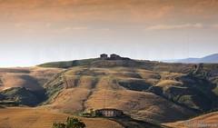 20160704_crete_senesi_siena_tuscany_99rb99 (isogood) Tags: italy landscapes horizon country scenic tuscany crete siena cretesenesi asciano senesi