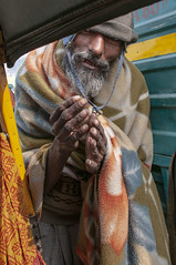 INDIA8958/  SERENDIPITY (Glenn Losack, M.D.) Tags: street people india portraits photography delhi muslim islam poor photojournalism buddhism impoverished flip flops local hindu scenics handicapped deformed beggars untouchables streetphotographer dalits glennlosack losack glosack dahlits dhalits