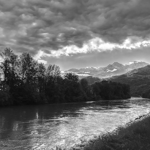 #isere #france #frenchalps #alps #alpes #grenoble #igersgrenoble #igersfrance #igersgallery #belledone #river