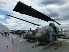 AH-1J Sea Cobra (skumroffe) Tags: nyc newyorkcity usa newyork museum cobra ship bell manhattan aircraft helicopter intrepid hudsonriver hudson helicopters aircraftcarrier schiff ussintrepid helikopter ah1 seacobra attackhelicopter intrepidseaairspacemuseum fartyg hangarfartyg bellah1 ah1jseacobra helikoptrar