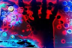 Holograma (J.J.Evan) Tags: old black color colour weird foto hand negro odd mano psychodelic peculiar analogic analógico extraño uncommon analogical psicodélico práctico