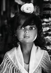Arte mi arma (Matías Brëa) Tags: blackandwhite blancoynegro mannequin showcase escaparate maniquí