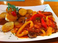 Gypsyschnitzel (oldhamburg) Tags: schnitzel specials germanfood schnitzelhaus germanrestaurant oldhamburg