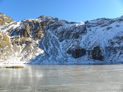 Frozen Balea Lake in the Fgra Mountains (cod_gabriel) Tags: lake frozen lac romania carpathians roumanie fagaras balea transfagarasan romnia carpathianmountains lakebalea fogarasi transfgran fgra carpai muniicarpai blea fogarasihavasok transzfogarasi blealac ngheat transzfogarasit transfogarascher fgragebirge fogaraschergebirge fogarascher transfogarascherhochstrase