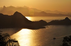 Rio de Janeiro... lembranas! (Ruby Ferreira ) Tags: sunset brazil mountains brasil bay boat shadows branches silhouettes hills layers silhuetas baadaguanabara
