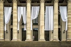 |||i||| (Heinrich Plum) Tags: nationaltheater mnchen munich heinrichplum plum fuji xe2 xf27mm gardinen vorhang laken curtains hangings bavaria bayern bayerischestaatsoper bavarianstateopera nationaltheatremunich streetphotography streetphotographie