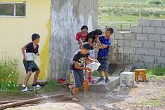 IMGP9745 (Henk de Regt) Tags: mongolië mongolia mohron mce buhug vrijwilligers volunteers children kinderen school sport games fun waterfight slangenmens contortionist summercamp