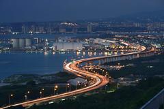 2016.09.24  /  (MaxChu) Tags: taiwan taipei    61 sunset lighttrail