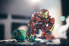 Meet The Hulkbuster (seango) Tags: hulkbuster ironman hulk thehulk funko pop funkopop tonystark brucebanner incrediblehulk ageofultron avengers vinyl toy collectables marvel comics superheroes veronica suit fight