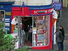 Coneheads (Bricheno) Tags: girl shop scotland candid perthshire escocia icecream szkocja confectioners pitlochry schottland scozia cosse scotchcorner  esccia perthkinross   bricheno scoia