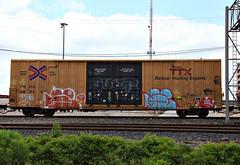 (o texano) Tags: bench graffiti texas houston trains dts d30 freights wyse a2m benching adikts