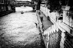 ON THE QUAYSIDE (Mohsan') Tags: bw paris france mohsan laseine xt1 xf1855mm fujixt1