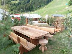P1010328 (serafinocugnod) Tags: legno tavoli