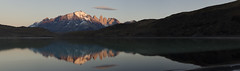 Laguna Amarga y macizo Paine en amanecer. (JLH PHOTO) Tags: patagonia del sur torresdelpaine australis torres paine magallanes patagonica parquenacionaltorresdelpaine terrae campodehielosur magallanica paisajechileno regiondemagallanes terraaustralis camposdehielo suraustral tierraaustral patagoniacl pntdp