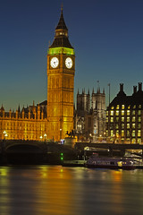 5.13 (Westminster, London, United Kingdom) (AndreaPucci) Tags: westminster abbey thames night housesofparliament bigben canoneos60 andreapucci