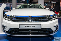 Volkswagen Passat GTE (886493) (Thomas Becker) Tags: volkswagen vw passat gte electric elektroauto ev iaa2015 iaa 2015 66 internationale automobilausstellung ausstellung motor show mobilitt verbindet frankfurt hessen deutschland germany messe fair exhibition automobil automobile car voiture bil auto fahrzeug vehicle  c copyright thomas becker aviationphoto nikon d800 fx nikkor 2470 f28 geotagged geo:lat=50112013 geo:lon=8643569