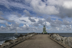 Zuidpier (Jeroenc71) Tags: zuidpier ijmuiden netherlands canon water sea lighthouse clouds cloudscape outdoors blue sky pavement