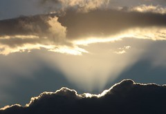 Distant sky... (modestino68) Tags: cielo sky nuvole clouds raggi rays nickcave