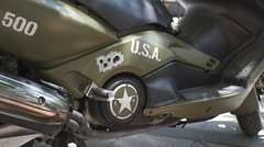 Bullets holes? (infinitum Photography & Video Production) Tags: stella usa army 50mm star nikon scooter holes motorbike moto d750 unusual estrella armée ejercito étoile agujeros infinitum insólito insólita infinitumstudio