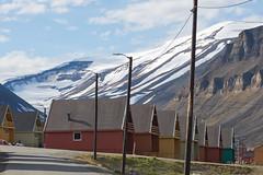 39 Day 2 Svalbard - Longyearbyen (brads-photography) Tags: houses town capital multicoloured svalbard colourful spitsbergen woodenbuilding settlement longyearbyen timberbuilding