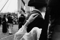 Be friendly (stefankamert) Tags: street blackandwhite bw monochrome blackwhite exposure noir fuji noiretblanc friendly sw fujifilm bnw baw x100 schwarzweis alienskin x100s stefankamert