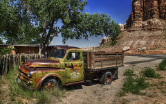 Cow Canyon (mokastet) Tags: abandoned utah roadtrip tradingpost greentruck cowcanyon abandonedtruck cowcanyontradingpost mokastet