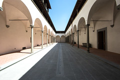 The Yard (ole) Tags: ospedale degli innocenti florence symetrry architecture