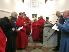 Briefing the choir (goforchris) Tags: cumbrae cathedraloftheisles scottishepiscopalchurch anglican celebrations 140years dioceseofargyllandtheisles choralevensong preparations