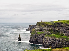 CLIFFS OF MOHER (PHOTOGRAPHY|bydamanti) Tags: countyclare ireland ie cliffsofmoher coast cliffs ocean sea stack seastack obrienstower branaunmoreseastack