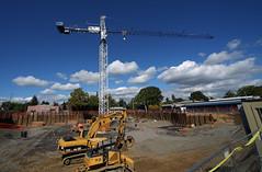 construction zone (Chuck Stephens) Tags: construction constructionzone constructionarea crane heavycrane vancouverwashington theothervancouver johndeere 450j cat322c caterpillar 322c hydraulicexcavator dozer
