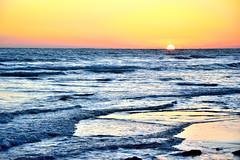 As estoy yo sin t... (ZAP.M) Tags: atardecer sunset crepsculo naturaleza natura plage labarrosa chiclana cdiz andaluca espaa zapm mpazdelcerro flickr nikon nikond5300