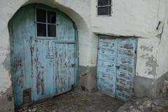 Blue Door (*Tom68*) Tags: deutschland germany rheinlandpfalz rhinelandpalatinate enkirch soe blau türen doors eingang entry haus gebäude building house alt old topf100