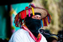 20150502_154620_Mx_Oventik_Hommage_Villoro_y _Galeano_w1024_par_ValK (ValK.) Tags: france mexique hommage fr caracol oventic valk homenaje ezln oventik zapatismo bonpiedbonoeil zapatisme mexico chiapas luisvilloro maestrogaleano
