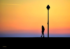 Alone at sunset (G.hostbuster (Gigi)) Tags: sunset woman camogli ghostbuster gigi49