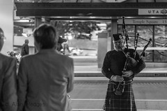Bagpipes (Alan Hedges) Tags: street people canon eos utah streetphotography saltlakecity slc templesquare peoplewatching bagpipe 70d rawstreetphotography
