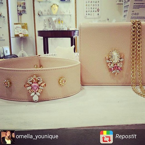 Il nostro cipria!🌸🌸🌸 @younique_accessori completo minibag & cintura alta #RepostIt_app #pink #rose #leather #verapelle #younique #accessori #personalizzati #madeinitaly #handmade #collane #bracciali #spille #or
