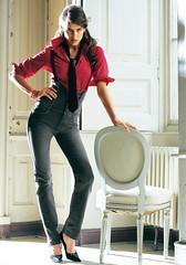Irina Shayk 3 (drno_manchuria (simonsaw)) Tags: fashion shirt model moda tie tshirt knot modelo corbata denim tacones gravata camiseta necktie nudo camisa vaqueros krawatten velt vaquera irinashayk