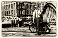 Hamburg (michael_hamburg69) Tags: hamburg germany deutschland hansestadt speicherstadt brcke bridge neuerwegsbrcke man male guy biker motorrad triumph 6t thunderbird classicbike vintage motorcycle markus 19601962 doppeltesbrustrohr geltetefittings geschraubtesheck motor 650ccm silkshiftgetriebe