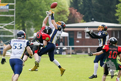 "RFL15 Solingen Paladins vs. Assindia Cardinals 02.05.2015 074.jpg • <a style=""font-size:0.8em;"" href=""http://www.flickr.com/photos/64442770@N03/17139204597/"" target=""_blank"">View on Flickr</a>"