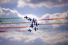 (20Vince86) Tags: sky clouds nuvole pentax cielo pan kr 135 tamron azzurro calabria messina frecce tricolori pattuglia acrobatica reggio nazionale tricolore aerei aeronautica stretto militare