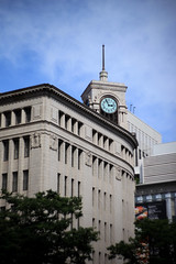 Lomography Petzval Lens  TOKYO 19 GINZA (sunuq) Tags: road japan canon eos tokyo ginza lomography outdoor sidewalk 日本 5d 東京 銀座 zenit 和光 petzval 5dmarkii ロモグラフィ ペッツバール