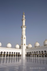 Abu Dhabi - Sheikh Zayed Grand Mosque (Rolandito.) Tags: big united uae grand mosque emirates zayed arab abu dhabi emirate sheikh vae grosse moschee vereinigte arabische
